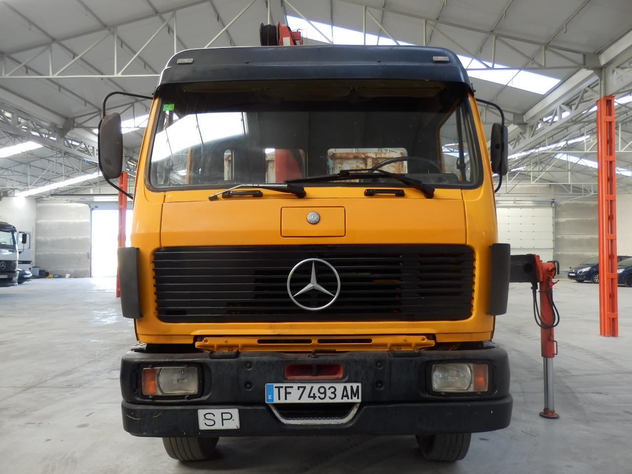 MercedesBenz_SK2233_Multilift_6x2_Palfinger-5